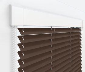 Жалюзи Изотра 25 мм на пластиковые окна - цвет орехово-коричневый